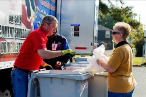 mobile shredding services organizing hosting community shred event alternative renting industrial shredder residential shredding
